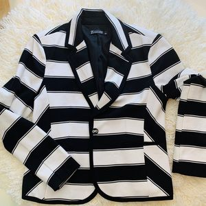 NY&Co Striped Blazer Large